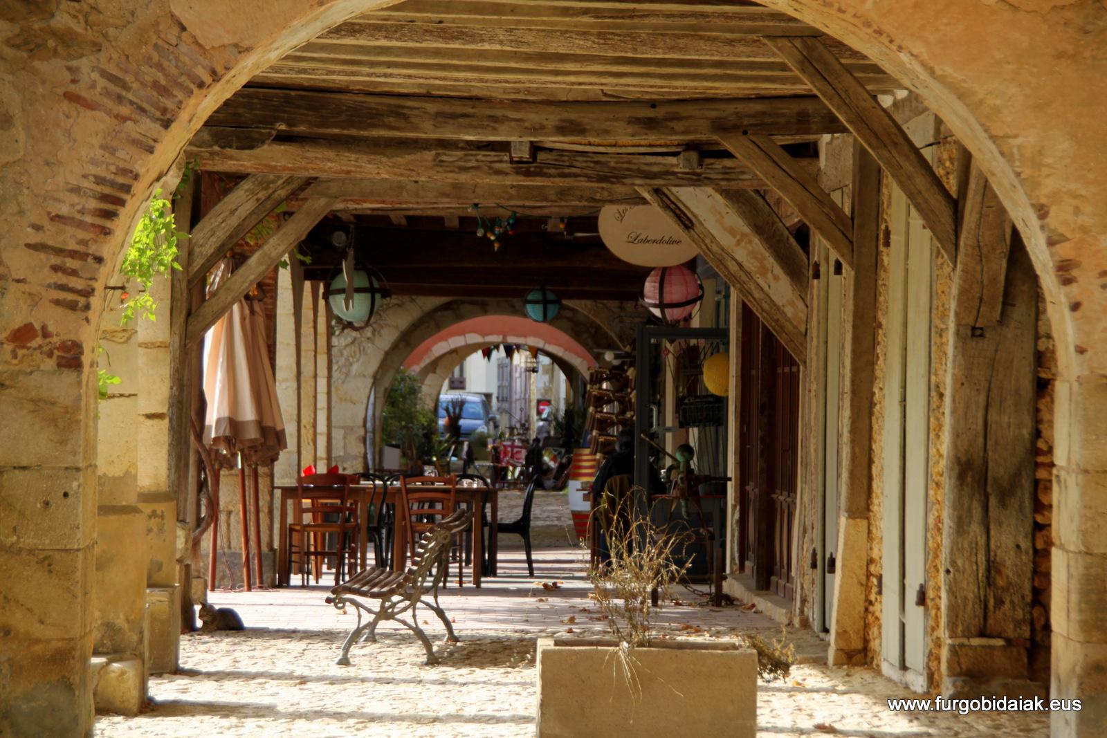 Arcadas plaza Armagnac