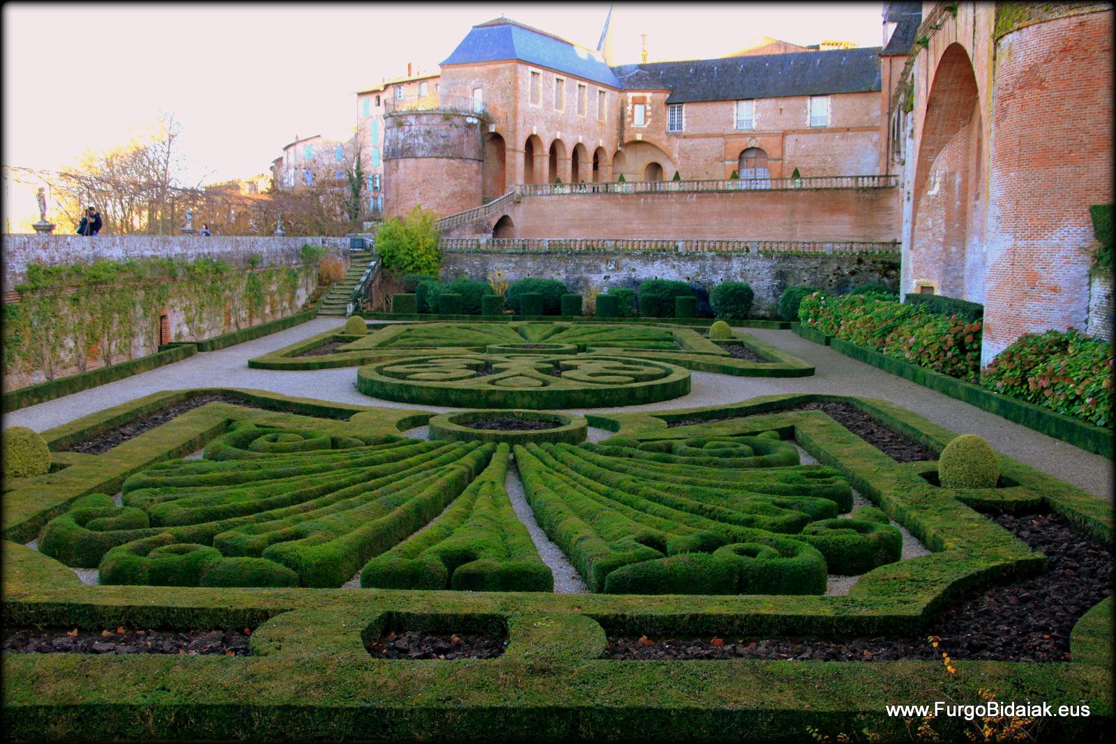 Jardin_remarcable_Palais_Berbi_Albi