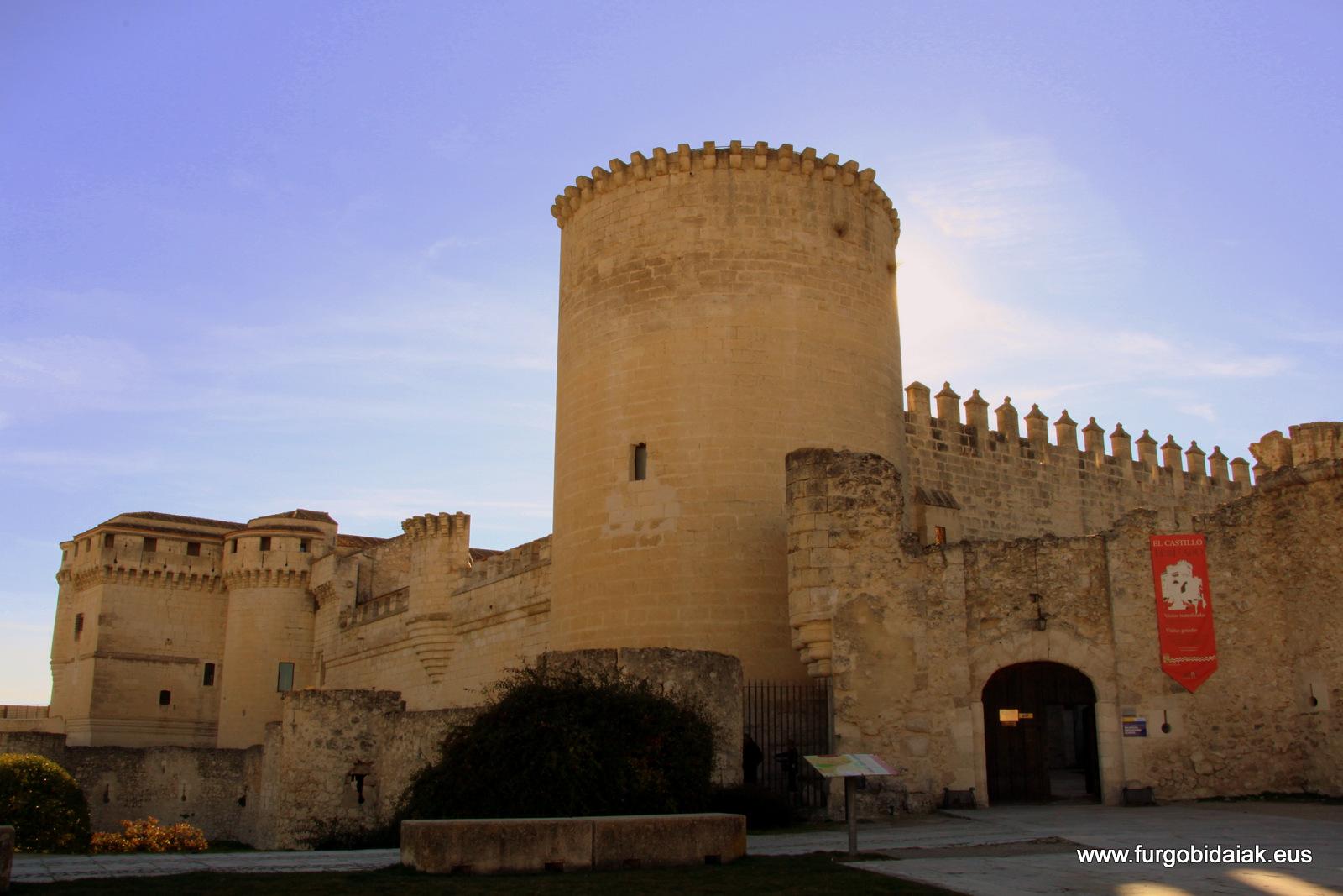 Castillo palacio duques de Alburquerque Cuellar