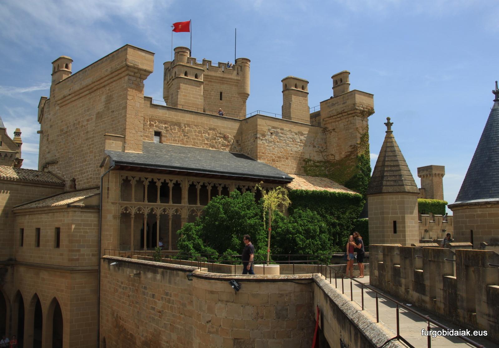 Placio de Olite, galería del rey , ruta medieval por Navarra