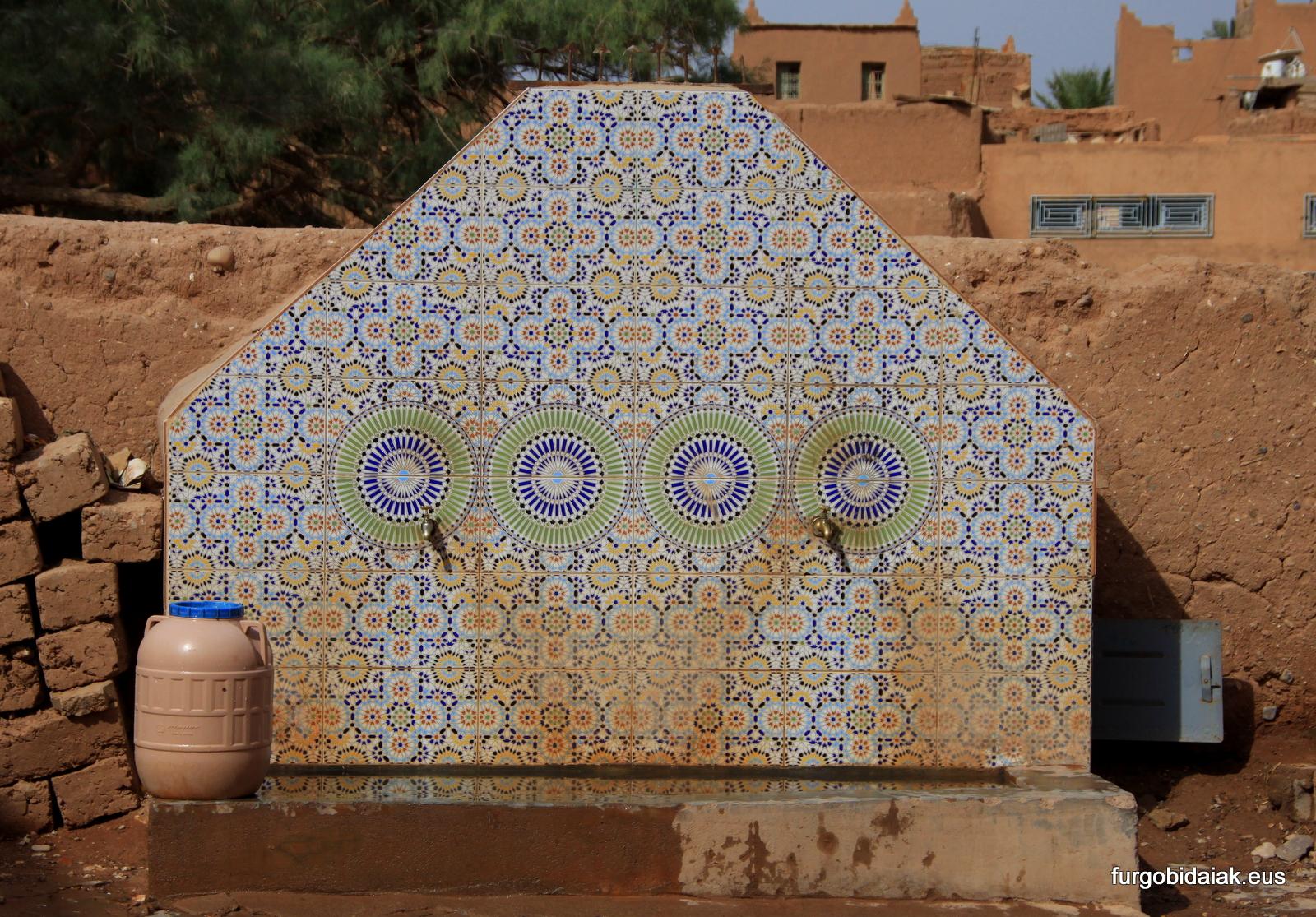 El agua, consejos para viajar a Marruecos