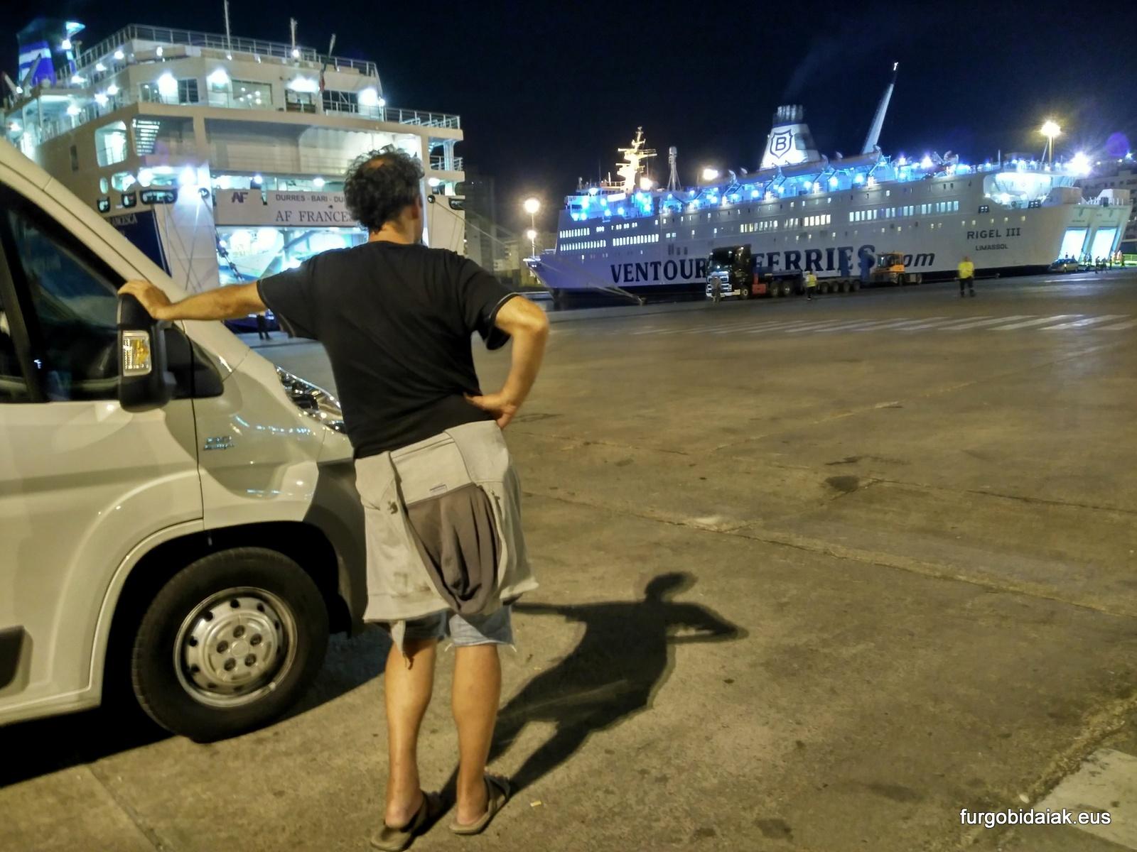 ferry, consejos para viajar a Grecia