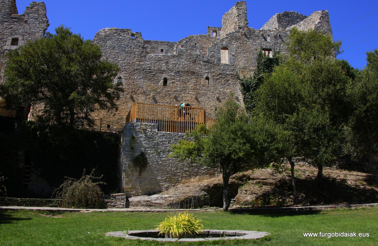 Jardín botánico Santa Catalina de Badaia, restos del convento