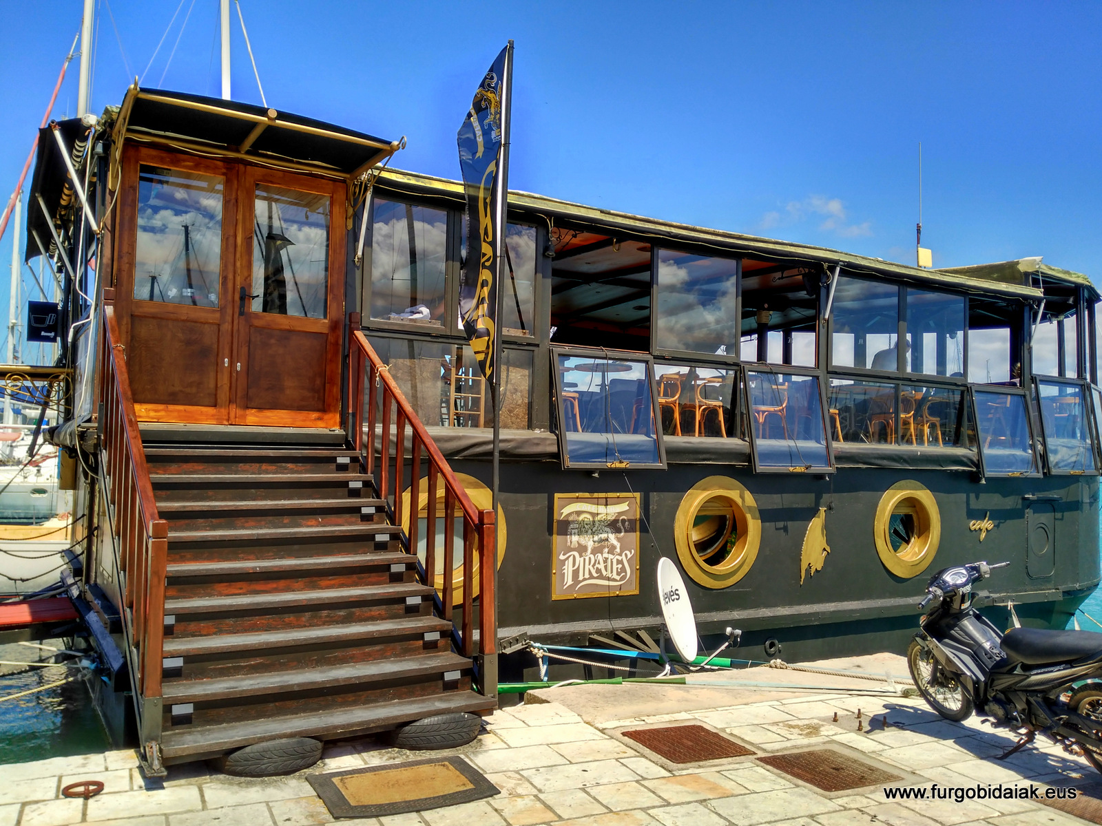 barco pirata, Lefkas, Grecia
