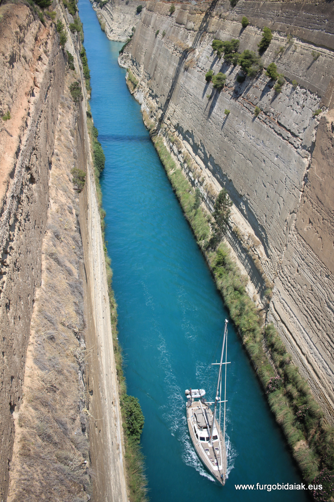 Canal de Corinto, Peloponeso, Grecia
