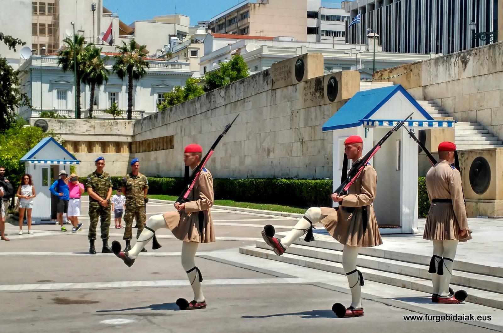 Cambio de guardia, Palza Sintagma, Atenas, Grecia