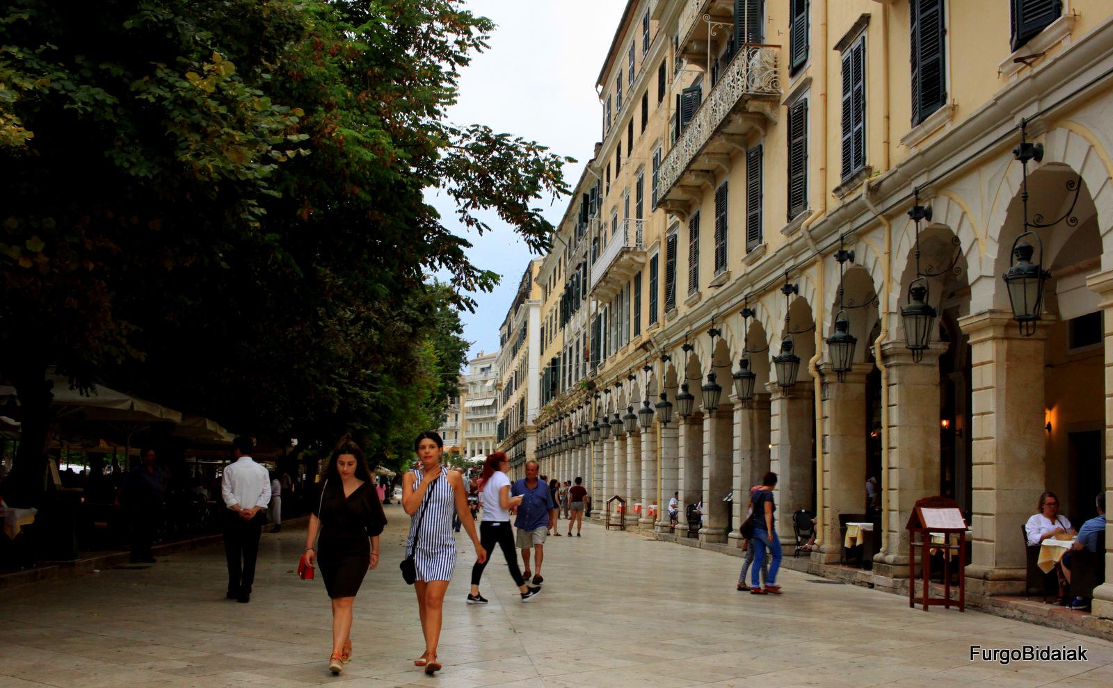 Paseo El Listón Corfú Grecia