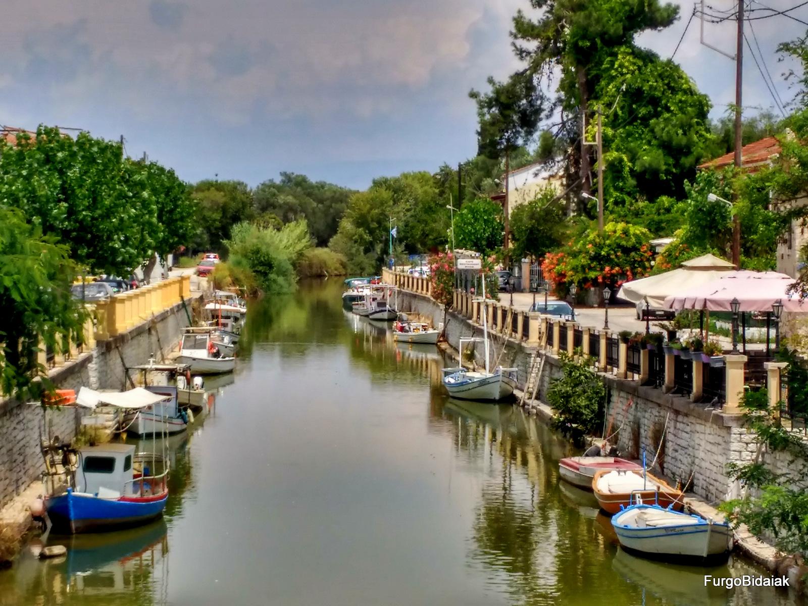 Canal de Lefkimi Corfu Grecia