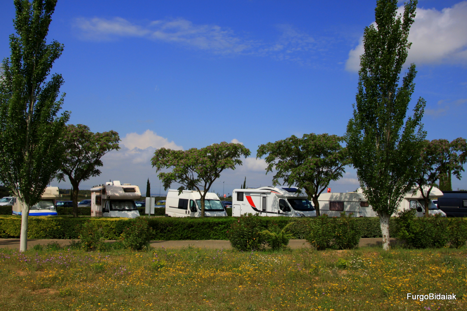 area de autocaravana de Sendaviva