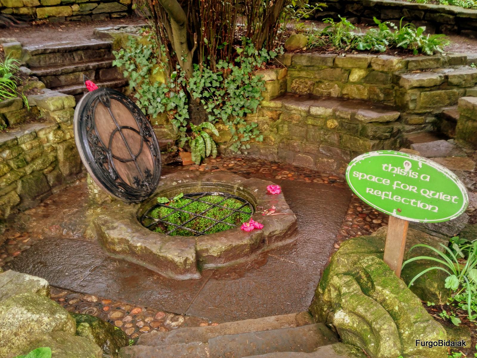 Chalice Wells Garden, Inglaterra ,FurgoBidaiak