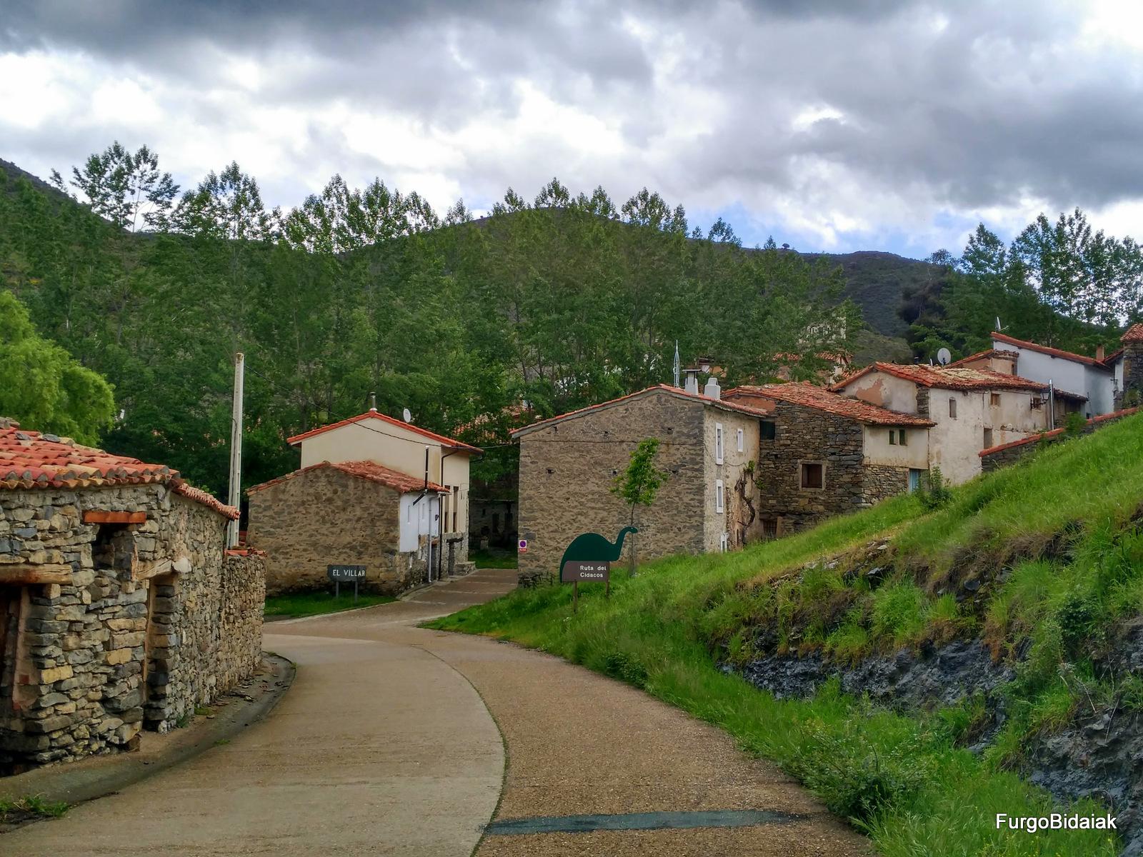 Ruta de los dinosaurios, La Rioja, El Villar Poyales