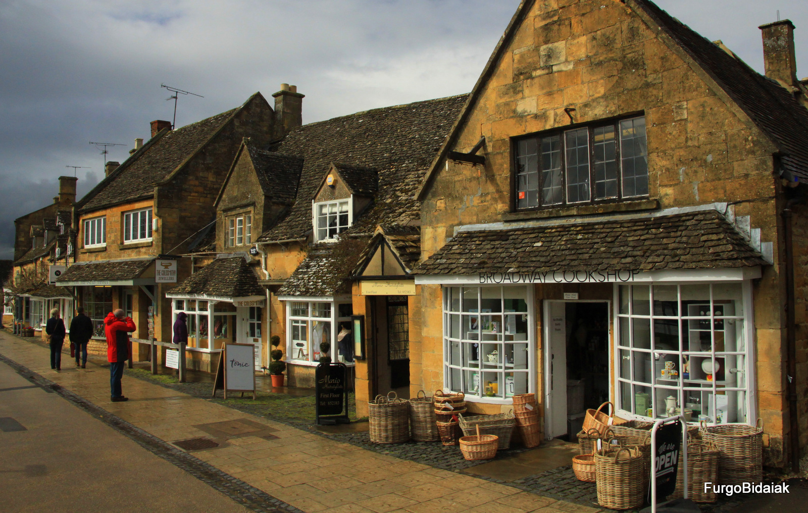 Broadway, Costwolds, Inglaterra en furgo, Furgobidaiak