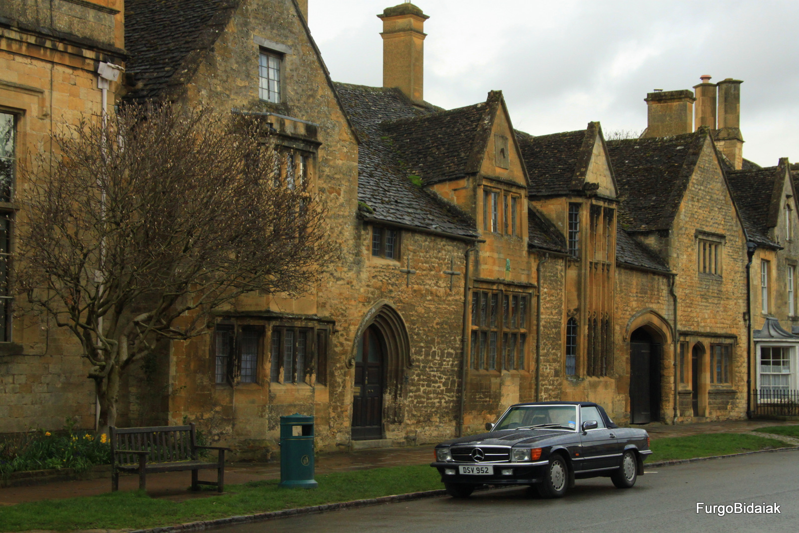 Chipping Campden, Costwolds, Inglaterra en furgo, Furgobidaiak
