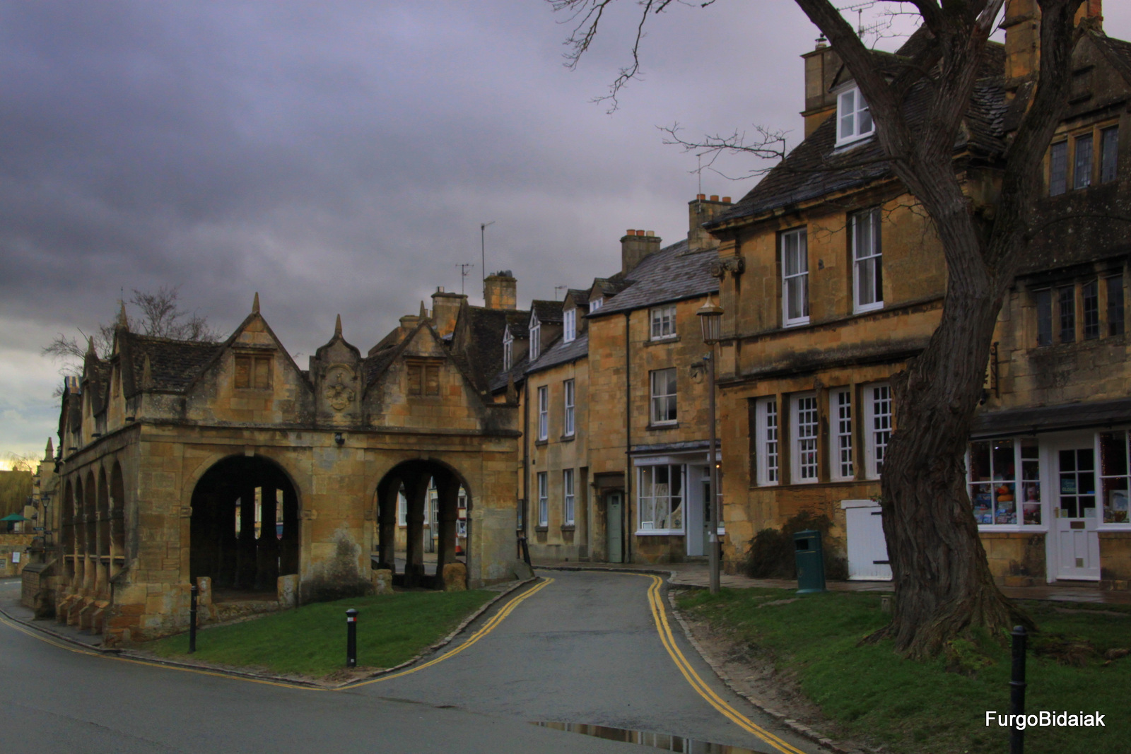 Chipping Camden, Costwolds, Inglaterra en furgo, Furgobidaiak