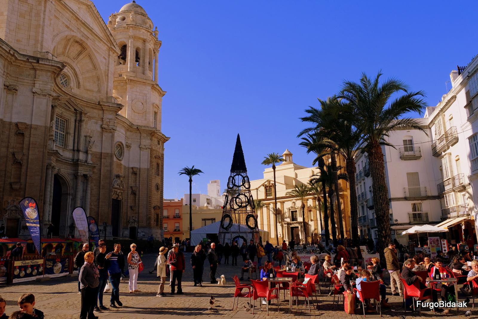 Plaza de la Catedral, Cádiz accesible