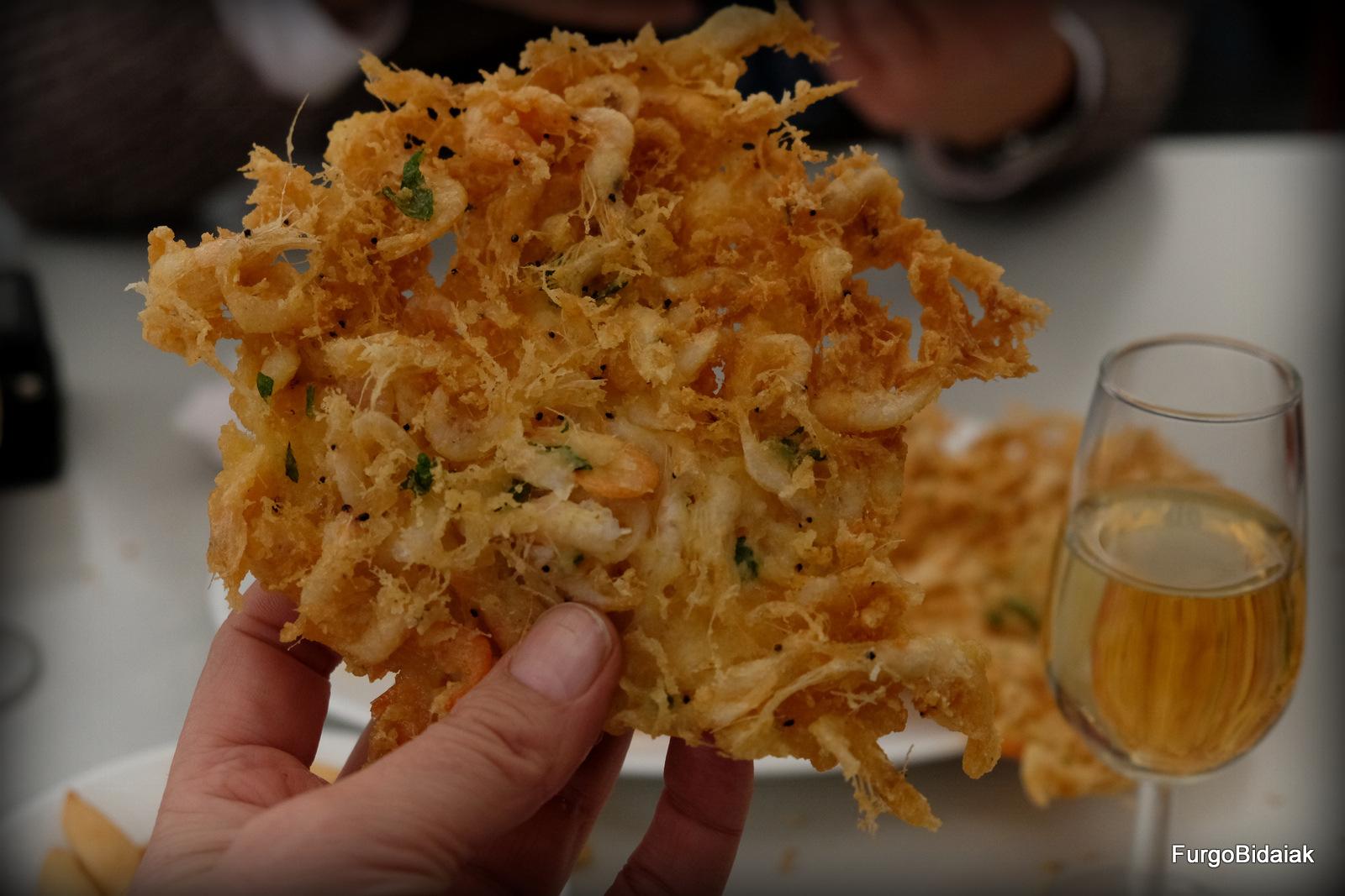 Tortillas de camarón en Casa Balbino, Cádiz en furgo