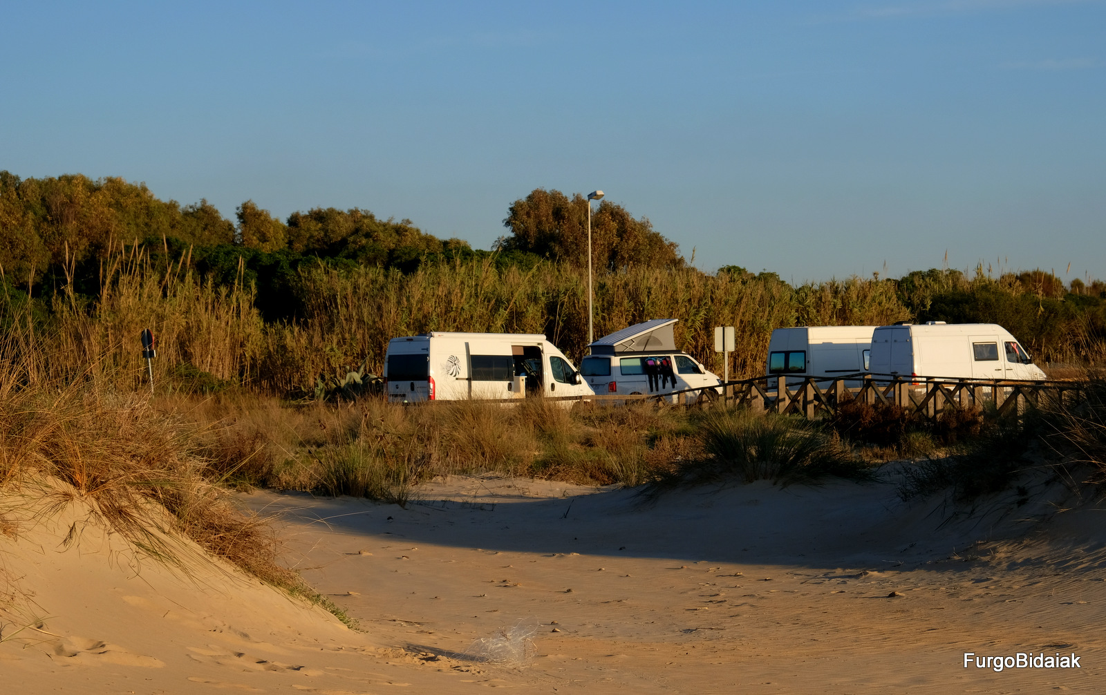 Parking junto a la playa del Palmar