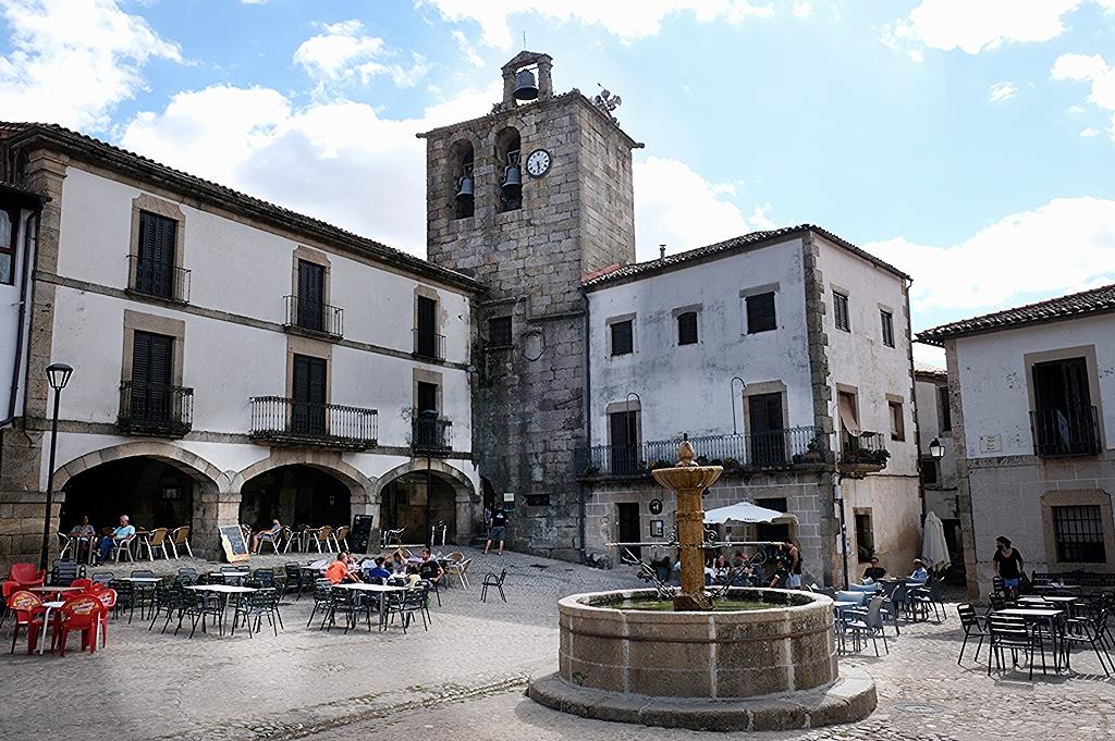 Plaza Mayor de Trevejo Pueblos más bonitos de Sierra de Gata.