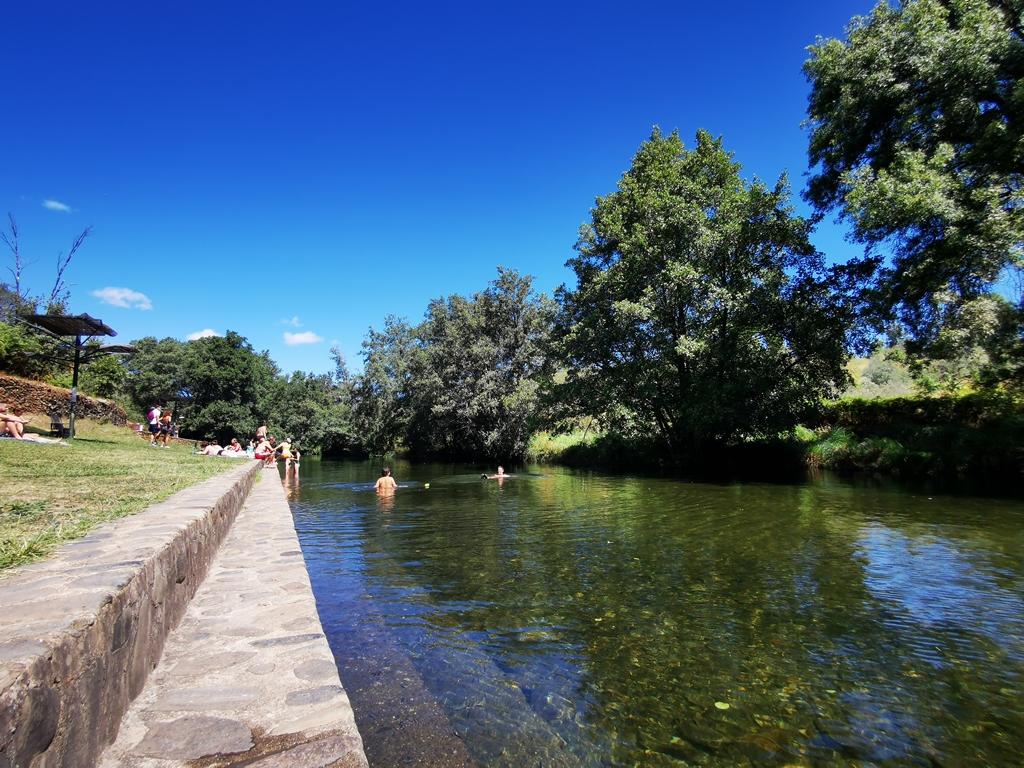 Piscina fluvial Hoyos