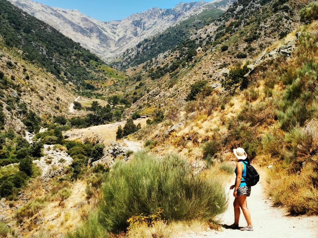 Sendero natural hacia El Trabuquete. Las mejores piscinas naturales de La Vera.