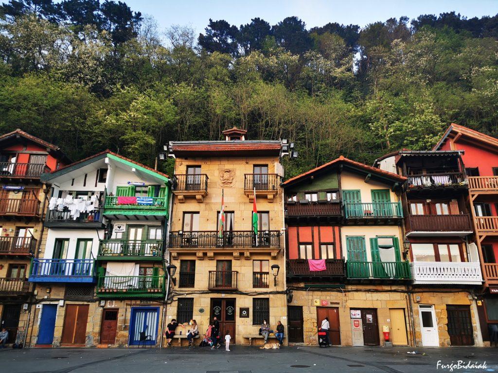 Bahía de Pasaia, Plaza Santiago